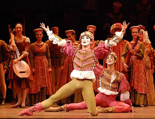 The Mandolin Dance from Prokofiev's Romeo and Juliet at the Royal Ballet