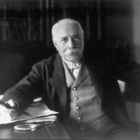 Edward_Elgar_posing_for_the_camera_1931