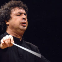 "In this photo provided by La Scala theatre press office Thursday, May 5, 2005, Russian conductor Semyon Bychkov is shown in a undated filer. Bychkov will direct Richard Strauss' opera ""Elektra"",  scheduled to go on stage at the Milan Arcimboldi theater, Saturday, May 7, 2005. (AP Photo/Thomas Kost/La Scala)"