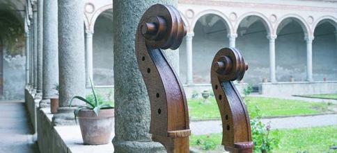 IT_13_MAIN_Cremona_S.Abbondio_Chiostro_particolare